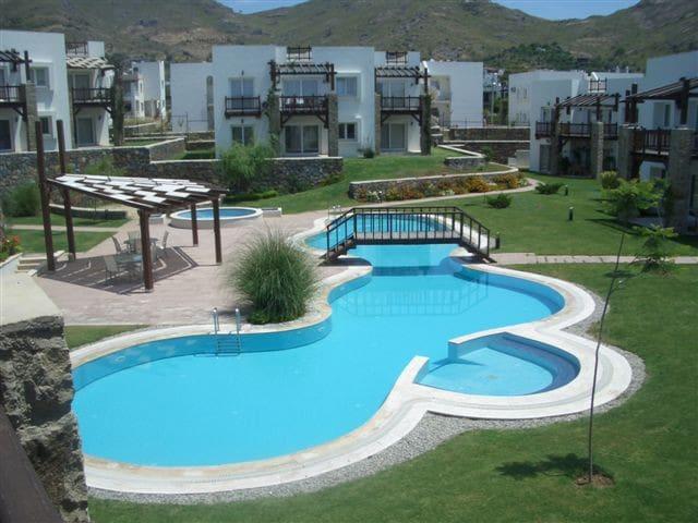 Quaint, Affordable, Comfortable, Family Apartment - Gümüşlük Belediyesi - Huoneisto