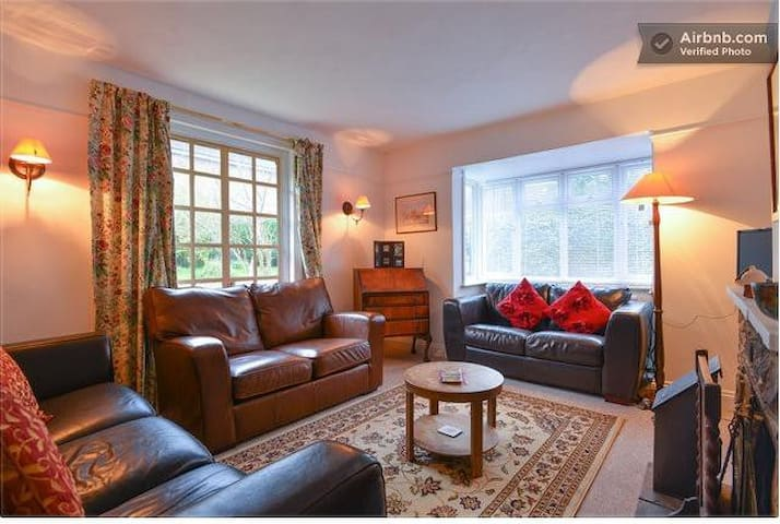 Cairndale, Burwash, E Sussex (Perfect For Couples)
