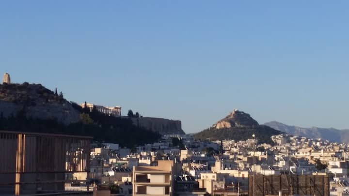Acropolis view room 1.8 km to Plaka (private WC)