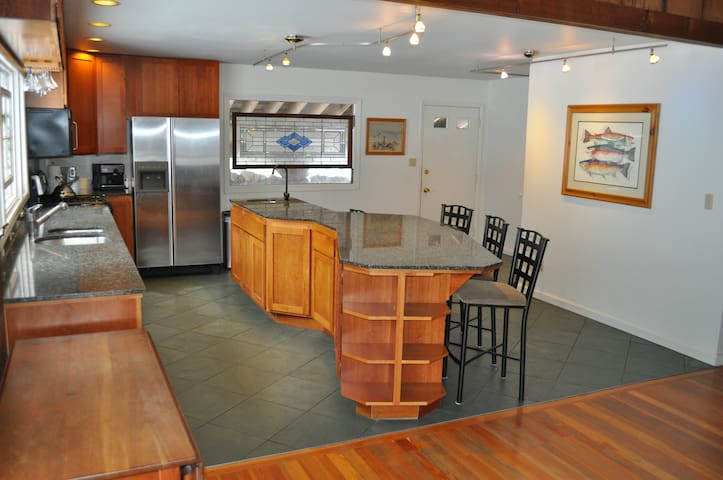 Authentic Resort Lodge Mt. Alyeska - Anchorage - Hus