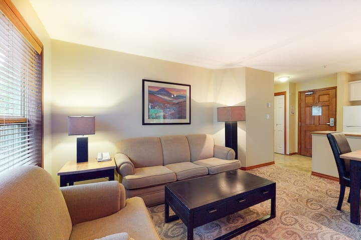 Inviting slope-side condo w/ free WiFi, gym, shared pool/hot tubs, & fireplace