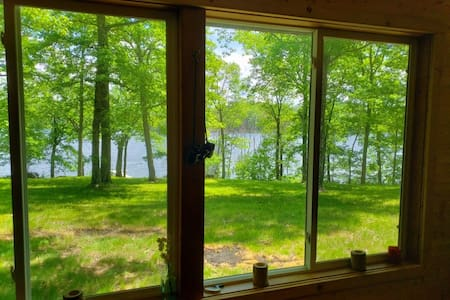 Conners Lake Clean & Cozy Cabin