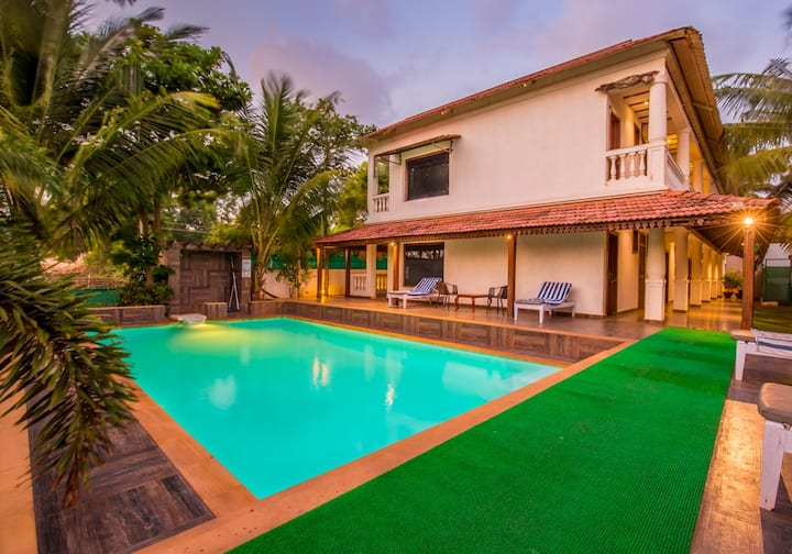 Boutique Club Rooms 100 Mtrs from Baga Beach
