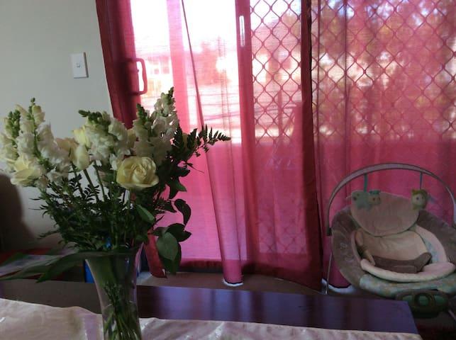 Convenient & urban Sydney home - Auburn - Reihenhaus