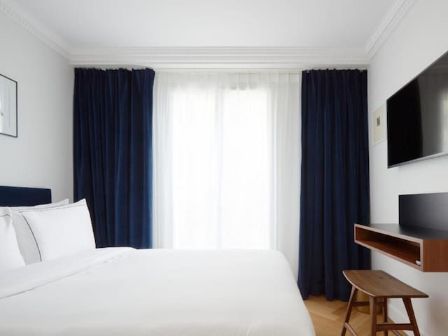 Comfort room in the heart of the Batignolles