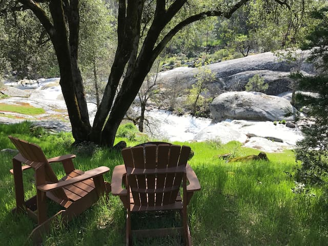 Mariposa River Retreat