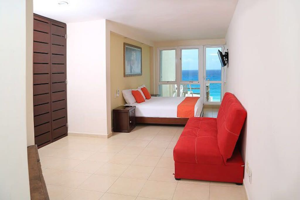 Master with futon. Ocean view.