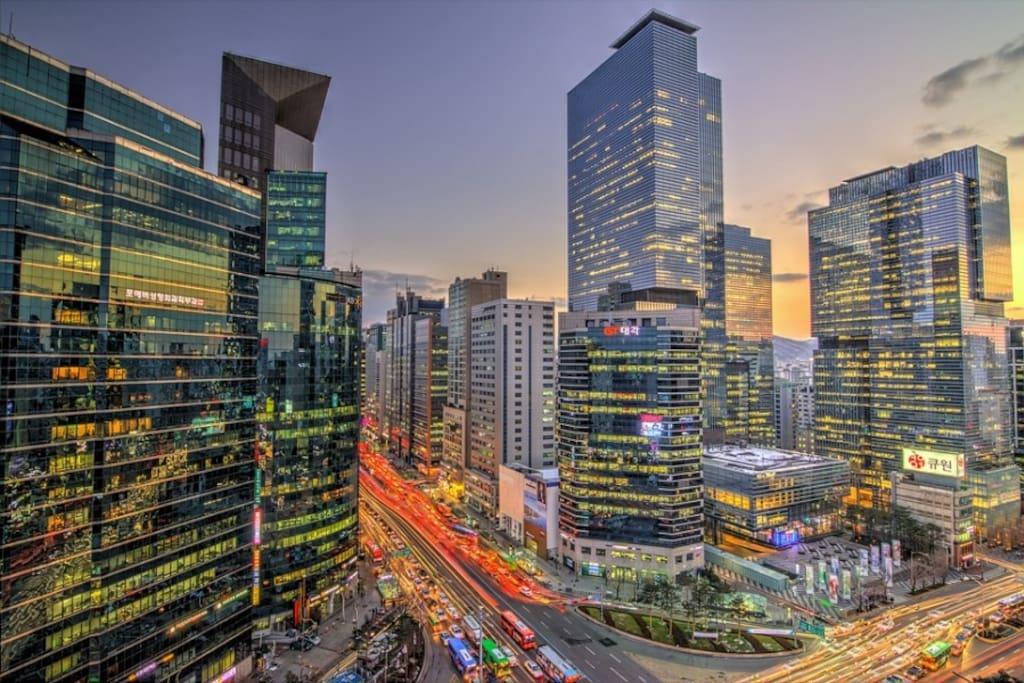 강남역 우성아파트 사거리