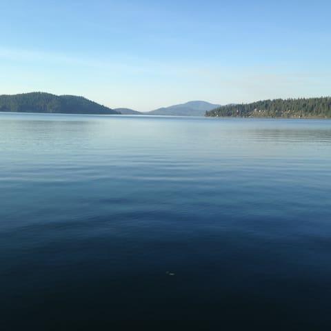Lakeside retreat with dock - Harrison - Rumah