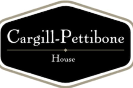 The Cargill-Pettibone House - Bed & Breakfast