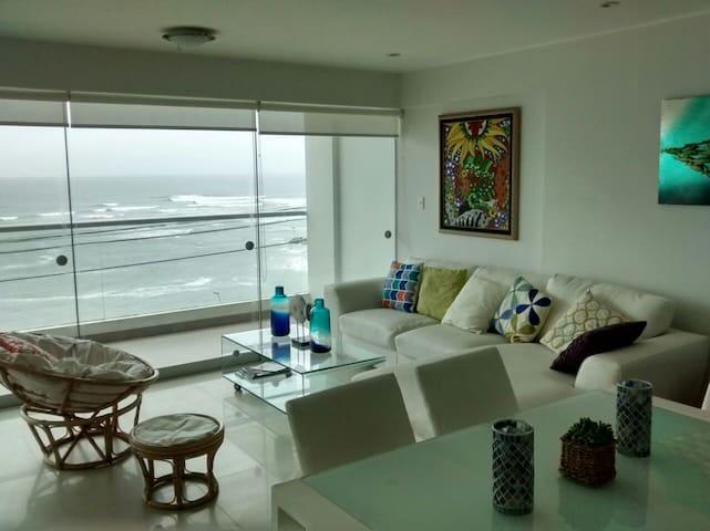 Oceanfront Beach apartment Punta Hermosa