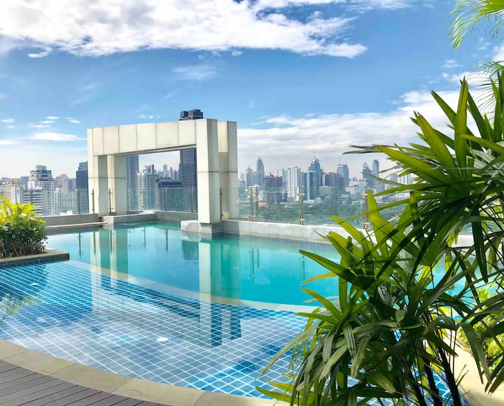 30 Sqm. private bed room with city views in Bkk