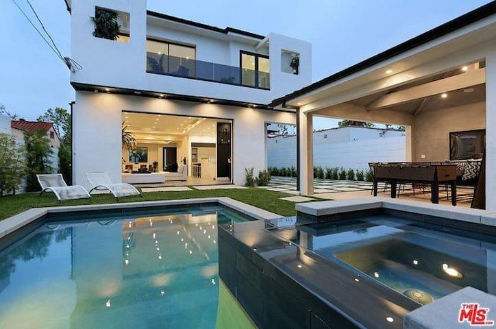 Beautiful New Designer Chic LA Mansion