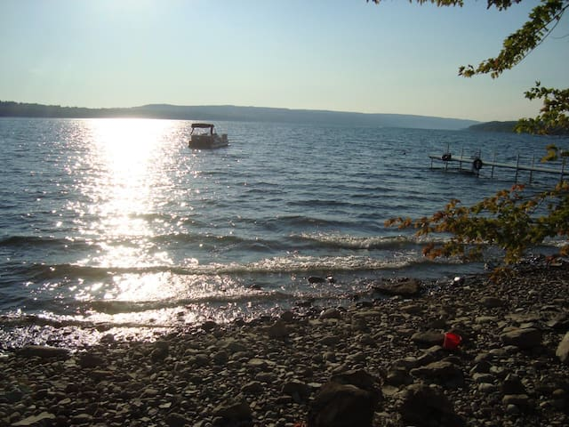Come relax by beautiful Skaneateles Lake!