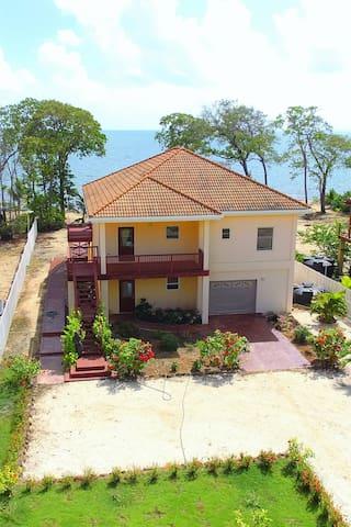 New Villa on PRIVATE Beach - Hopkins - House