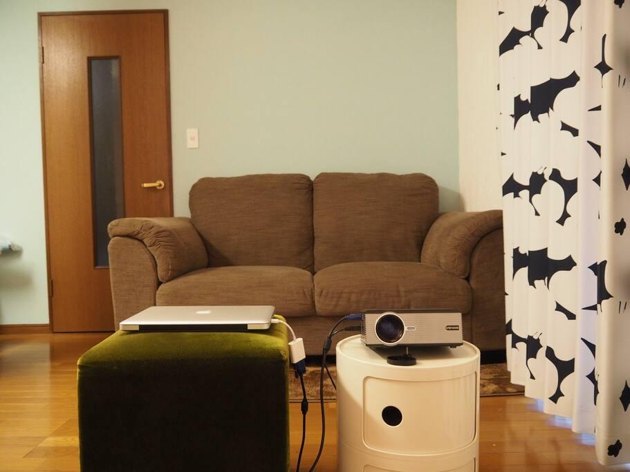 Sofa in living & dining room リビングダイニングルームのソファー