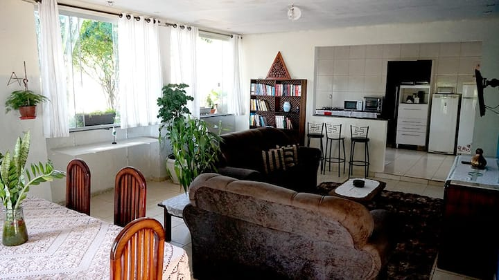 Casa em chácara ampla e confortável