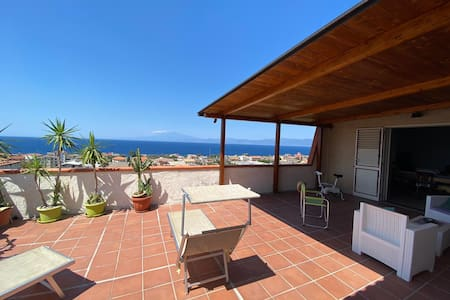 "Villa ""Bella Vista"" a Lazzaro - Relax and enjoy!"