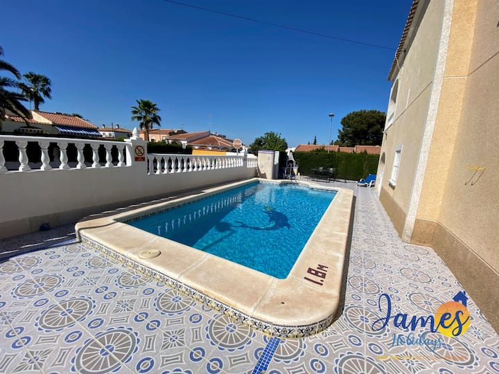 Los Balcones Villa with private pool LB57