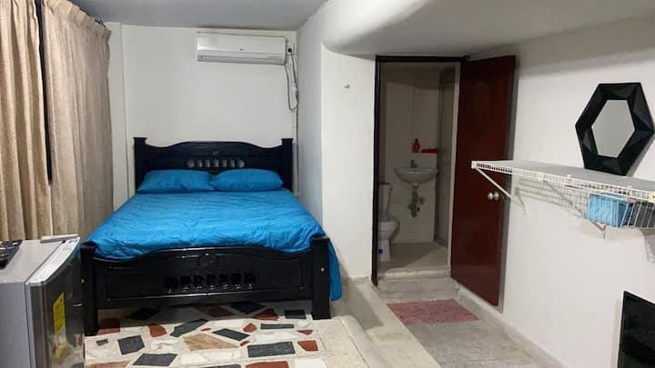 Cómoda habitación independiente norte de la ciudad