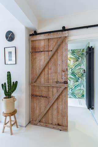Gateway to your  botanical bathroom heaven.