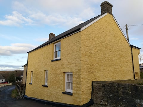 Bryn Sion Welsh Chapel Cottage near heritage coast