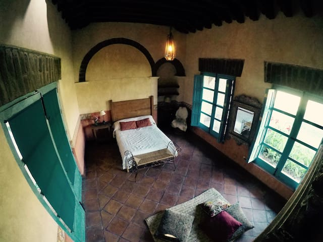 Beautiful Bedroom on the countryside, San Miguel A