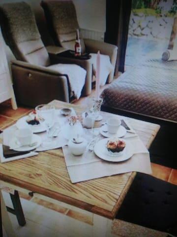 Neuwertige Ferienwohnung - Eschwege - Apartment
