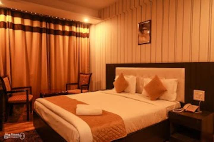 Hotel Paradise Ganga Deluxe With Balcony Market View