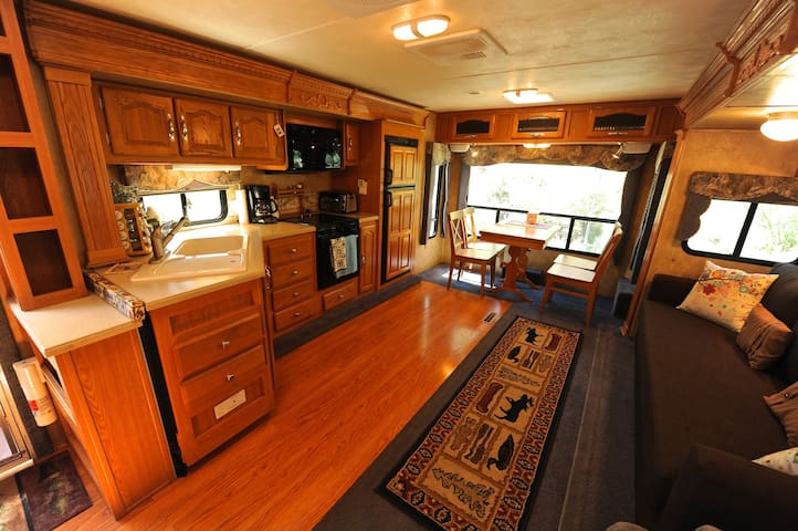 Denali Camper for Nature Lovers with Private Yard