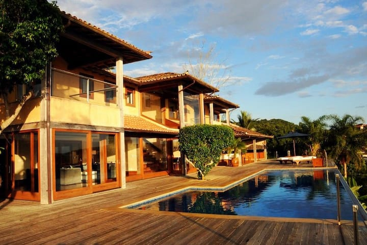 Buz034 - Luxury house with 4 suites, pool and sea view in Búzios