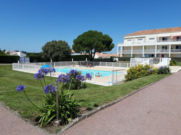 Appartement T1 BIS dans résidence avec piscine