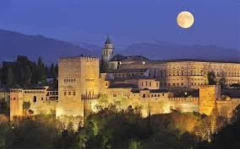 Piso amplio,luminoso y acogedor en Granada capital