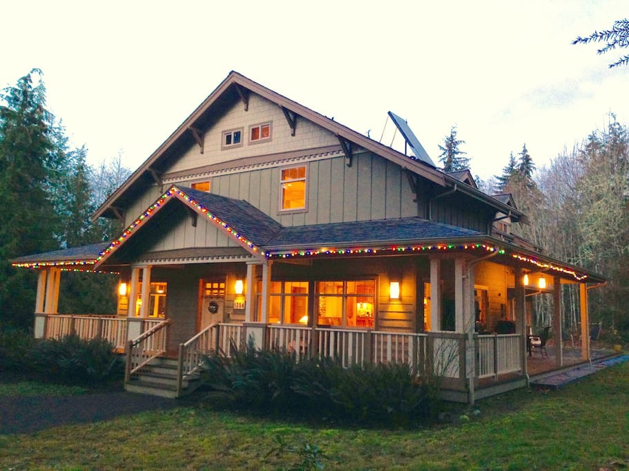 With large Hot Tub and Indoor Cedar Sauna, the Olympic Foothills Lodge is a cozy winter getaway