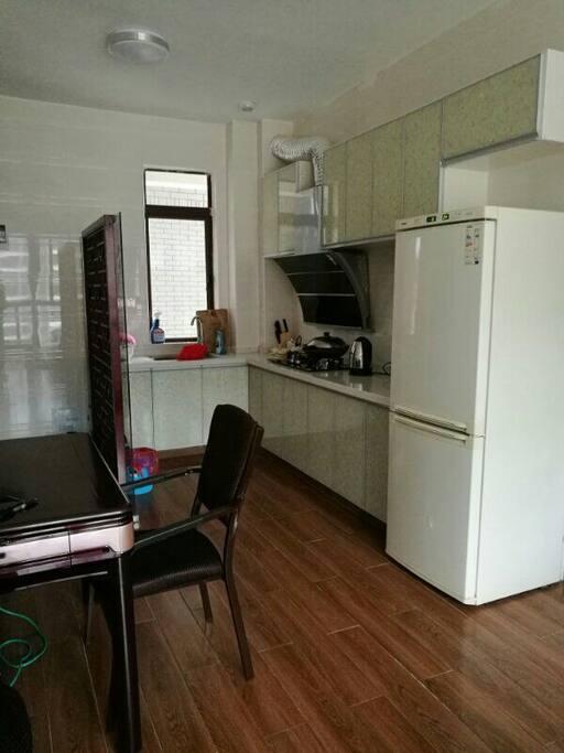 这是开放式厨房