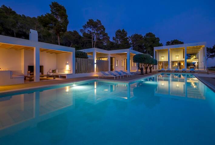 THE VILLA CanMorna Laurana. THE HOME ESCAPE. Ibiza