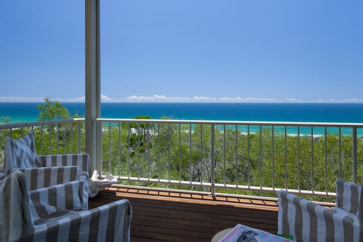 Peregian Beach Holiday House - stunning views