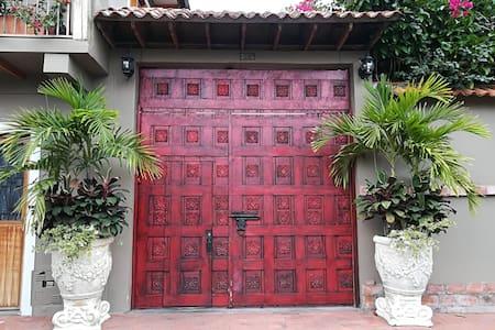 Casa Quinta Colonial Espectacular en Mariquita