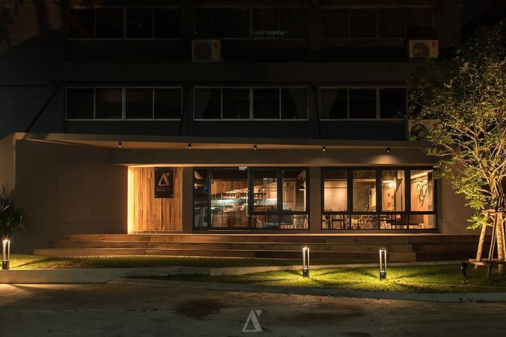 A'hostel Bangkok Building at Night01