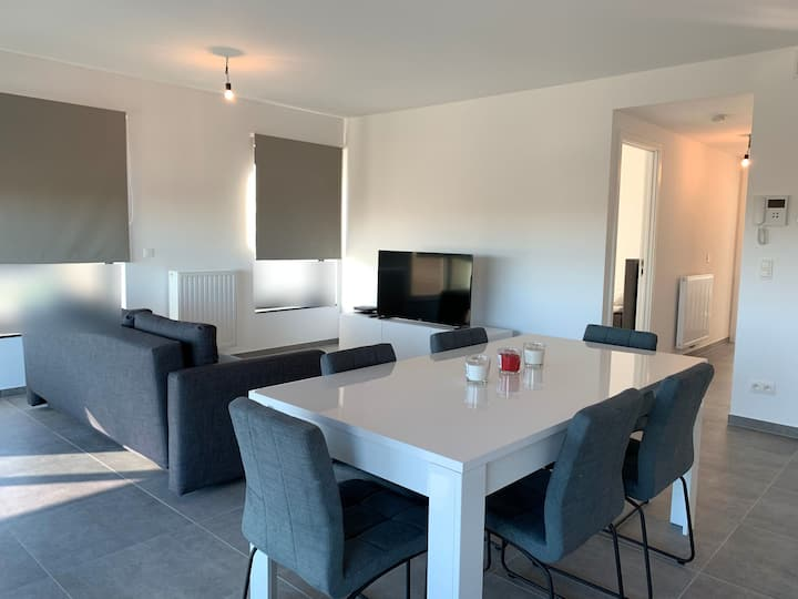 Spacious apartment -Brussels Center & Airport