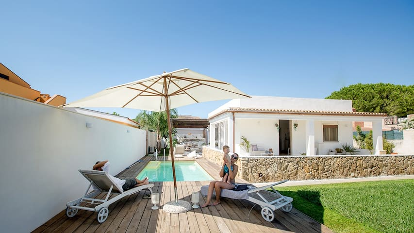BoutiqueVilla-HeatedPool-SunTerrace-Sea&Beach