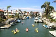 20 min to kayak, water bike rentals, and boat rentals. Great prices!
