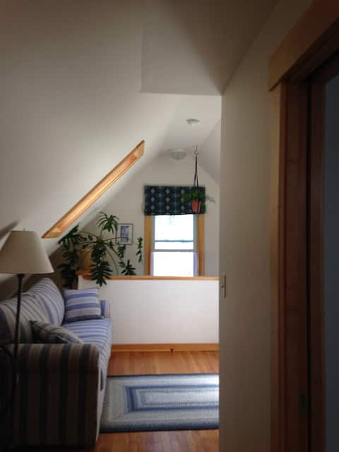 Sweet Suite, close to the center of Brattleboro
