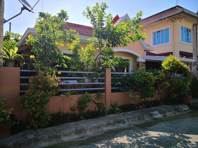 Cozy and Spacious Entire House Calamba Laguna