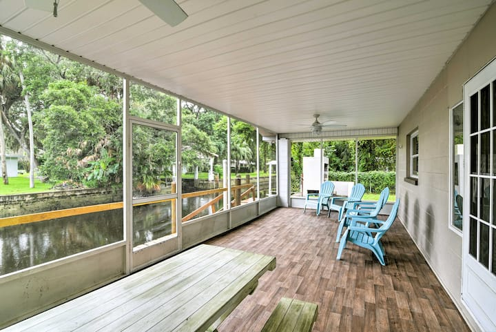 Updated Rustic Yankeetown Home w/Lanai, Canal Dock