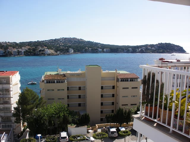 Apartment with an open sea view - Rotes Velles