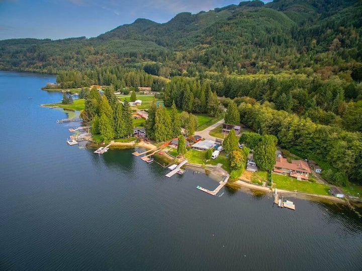 Lovely Lake Samish vacation home ~