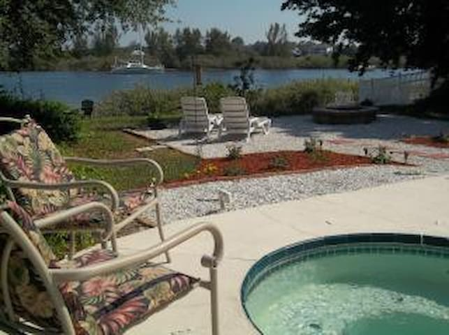 Private Waterfront Island Pool Home With Canoe
