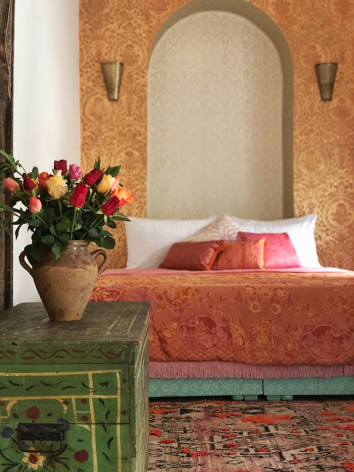 Light & Lovely Private Marrakech Riad Room-Aziza