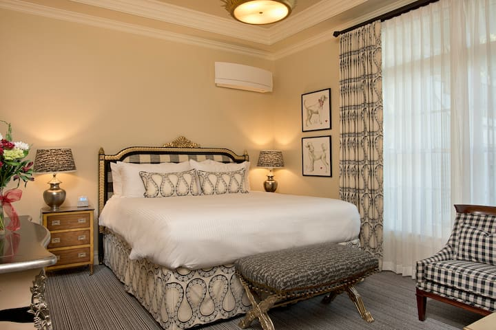 Room 101 HC - Old Town Bluffton Inn